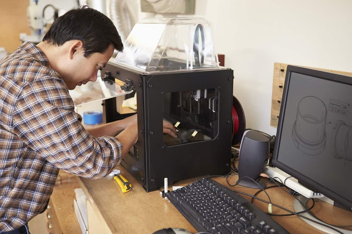How to Clean 3D Printer Bed - makerindustry.com