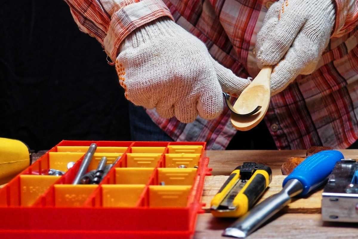 what wood is best for spoon carving
